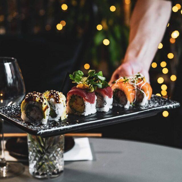 Sushi to stay or to go? 🍣🥢😍 #vesterå14 #catchsushibar #aalborg #sushi #allyoucaneatsushi🍣