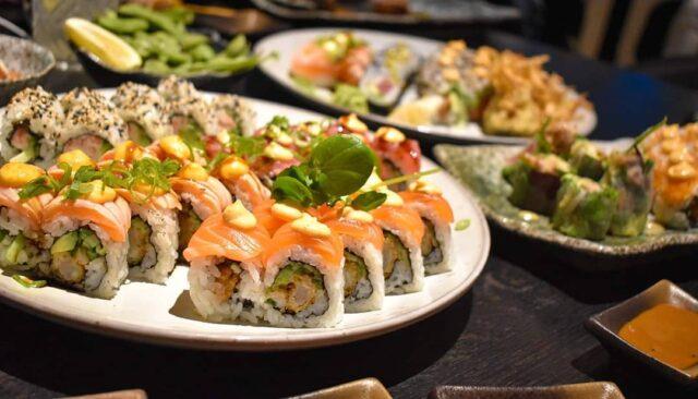 Hvilken sushirulle er din favorit? 🤔  📸: @migogaalborg  #catchsushibar #sushi #nigiri #migogaalborg