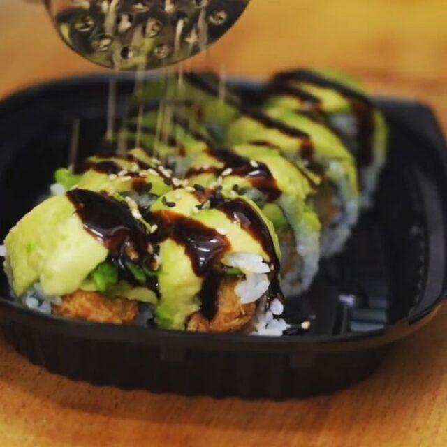 Husk at vi fortsat kører med 15% ved afhentning og gratis levering 😁  #sushi #catchsushibar #takeaway #migogaalborg