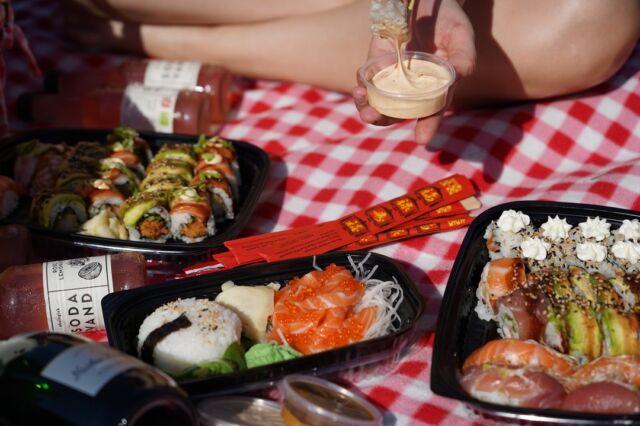 ☀🎶Sol sol kom igen. Solen er min bedste ven🎶☀  Vejret er strålende disse dage og der er absolut intet at klage over 😁  Skal du også udenfor i det gode vejr i form af picnic, måske noget helt andet? 🤔  Bestil takeaway via linket forneden:   👇👇  https://catchsushibar.dk/takeaway-menu/  Så sørger vi for at der er sodavand på køl og ikke mindst lækker sushi i lange baner 🍣  Ha' en dejlig dag 😁  Mvh. teamet hos Catch Sushi Bar & Cocktails   #catchsushibar #sushi #nigiri #maki #foodporn #catch #bar #cocktails #migogaalborg #aalborg #sushifestival #takeawayfestival #takeaway #food #yummy #delicious #giftcard #giveaway #gift #wine #wineanddine #new #newin #cocktails
