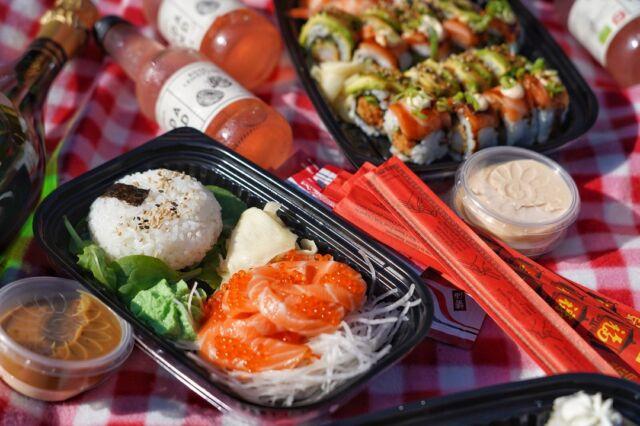 🤾♂️ Så er det i dag at håndboldherrene møder Japan kl 14.30 🤾♂️  Skal du også være klar fra kampstart? 😁  Vores takeaway menukort er spækket med spændende muligheder, som vi ved passer rigtig godt ind på din egen hjemmebane 😉  Bestil takeaway her:   👇👇  https://catchsushibar.dk/takeaway-menu/  God kamp og ha' en skøn dag 😎  Mvh. teamet hos Catch Sushi Bar & Cocktails   #catchsushibar #sushi #nigiri #maki #foodporn #catch #bar #cocktails #migogaalborg #aalborg #sushifestival #takeawayfestival #takeaway #food #yummy #delicious #giftcard #giveaway #gift #wine #wineanddine #new #newin #cocktails